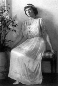 Tatiana in 1914, the same year when possible marriages negotiations started between her and Alexander. Her father  quickly stopped it though because he wanted his daughters to marry someone of their own choice.
